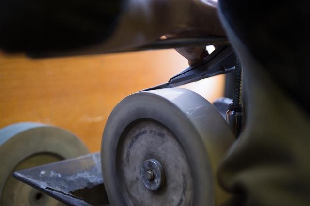 Заточка ножей машинки для стрижки волос в Москве