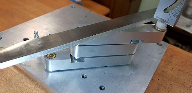 Проверка качества заточки ножа рейсмуса